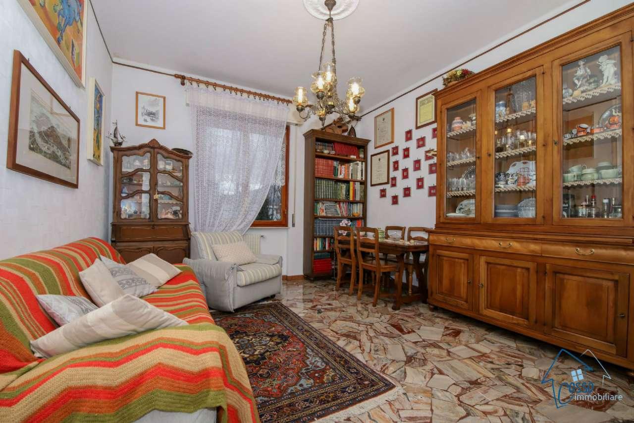 Appartamento in vendita a Ceranesi, 4 locali, prezzo € 90.000 | CambioCasa.it