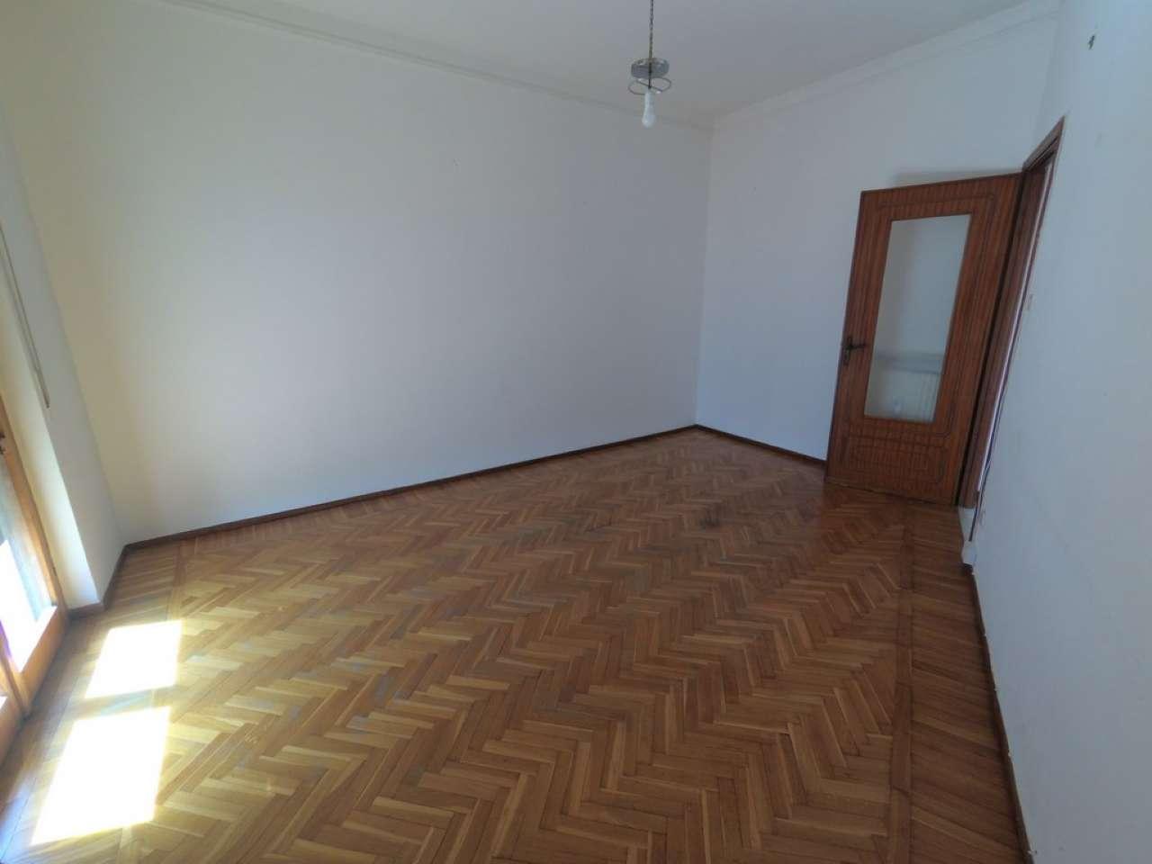 Appartamento in vendita a Campomorone, 3 locali, prezzo € 120.000   CambioCasa.it