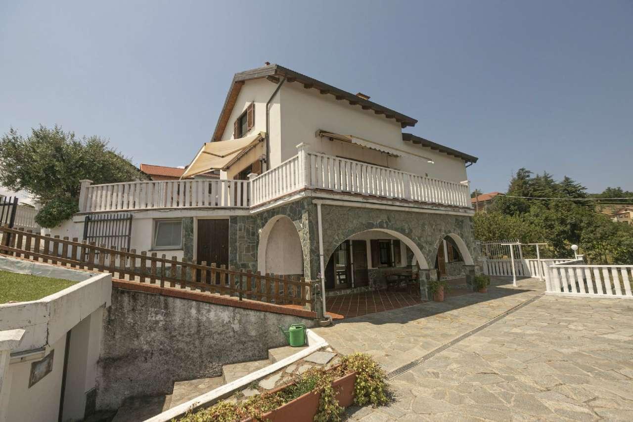 Villa in vendita a Serra Riccò, 8 locali, prezzo € 690.000   PortaleAgenzieImmobiliari.it