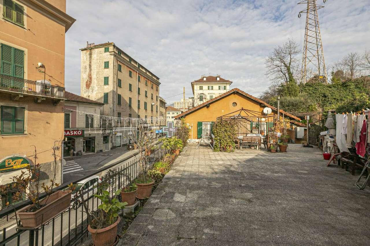 Appartamento in vendita a Genova, 3 locali, zona Zona: 11 . Pontedecimo, prezzo € 155.000 | CambioCasa.it