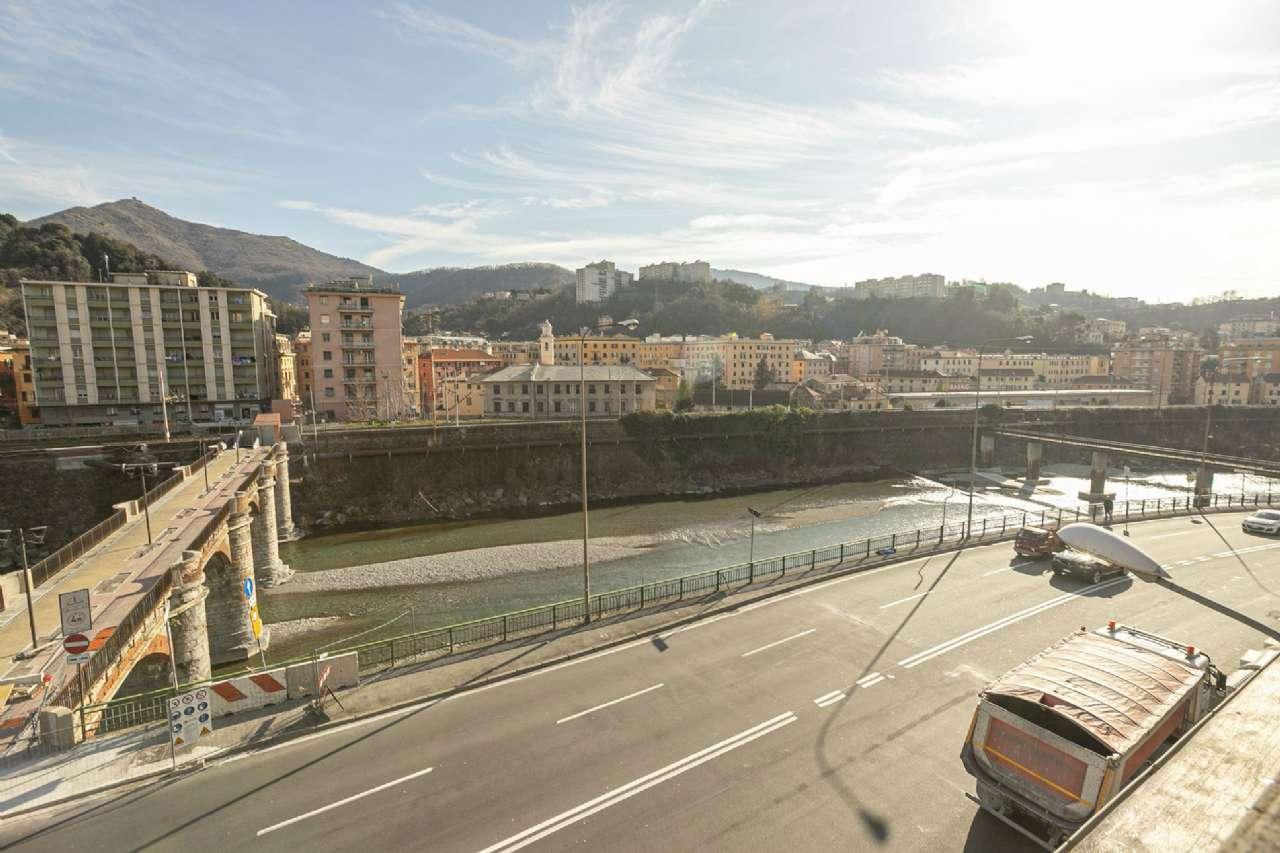 Vendita Porte A Genova trilocale in vendita a genova - zona: 6 . bolzaneto, valpolcevera, rivarolo