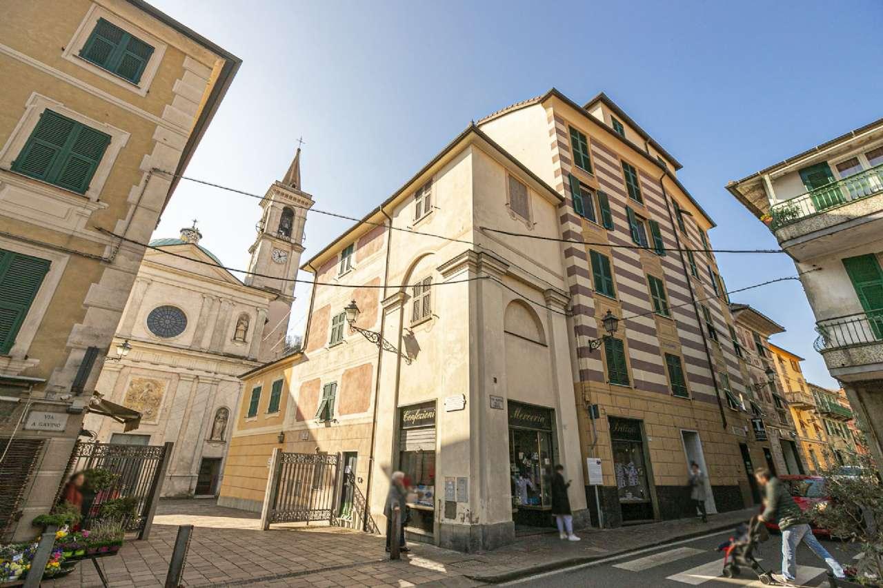 Appartamento in vendita a Campomorone, 3 locali, prezzo € 52.000   CambioCasa.it