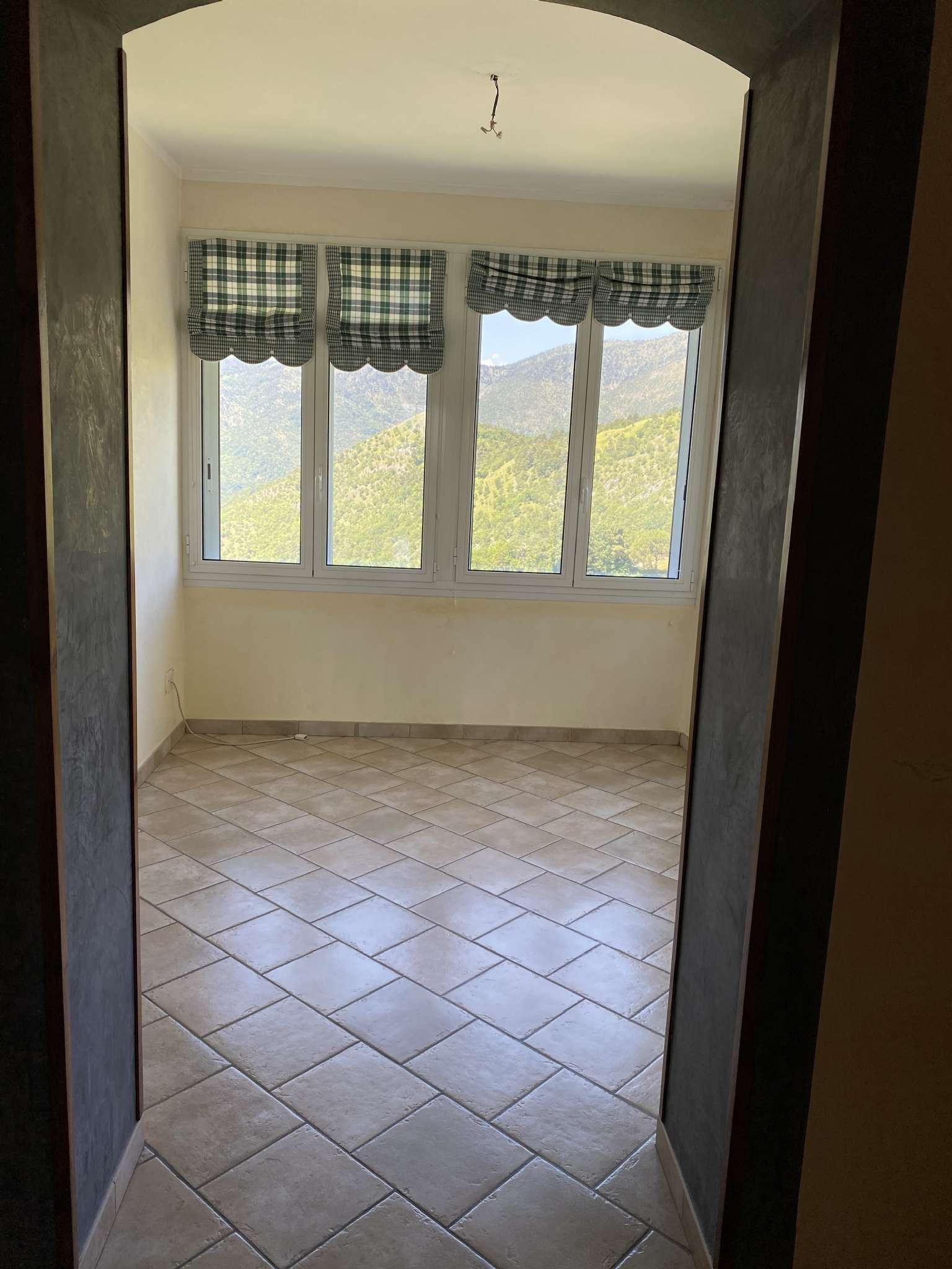 Appartamento in affitto a Campomorone, 4 locali, prezzo € 450   PortaleAgenzieImmobiliari.it