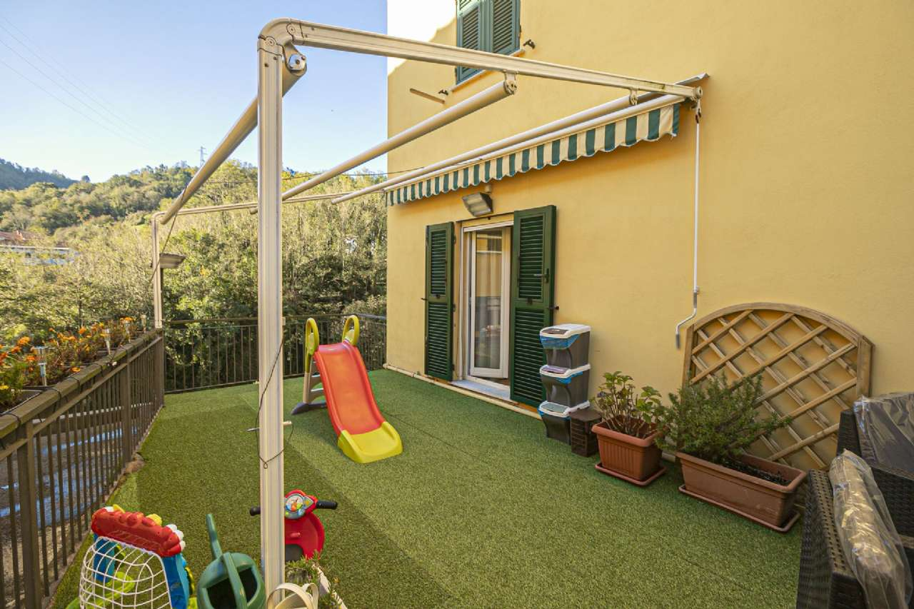 Appartamento in vendita a Campomorone, 3 locali, prezzo € 78.000 | CambioCasa.it
