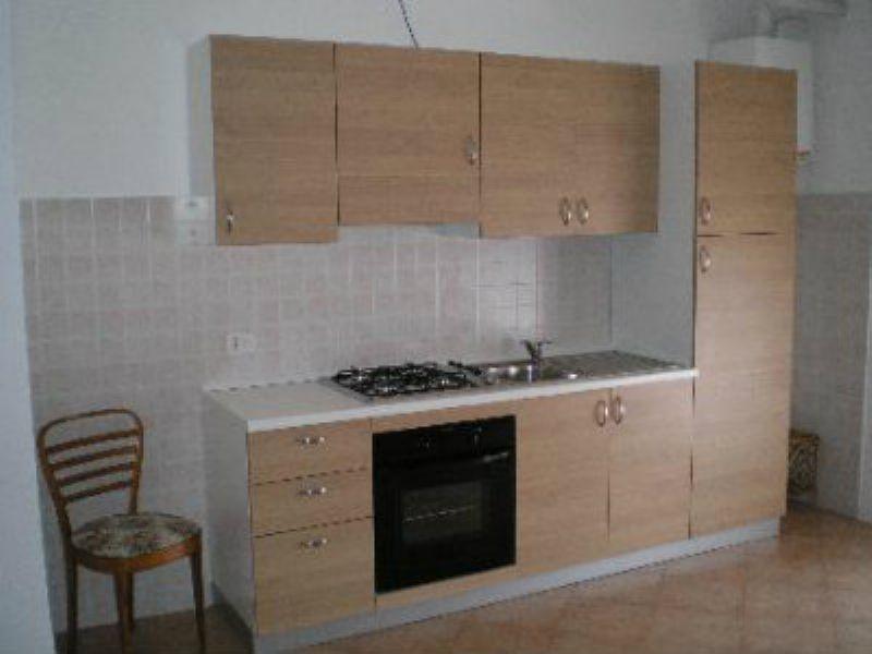 Appartamento in buone condizioni arredato in affitto Rif. 8228901
