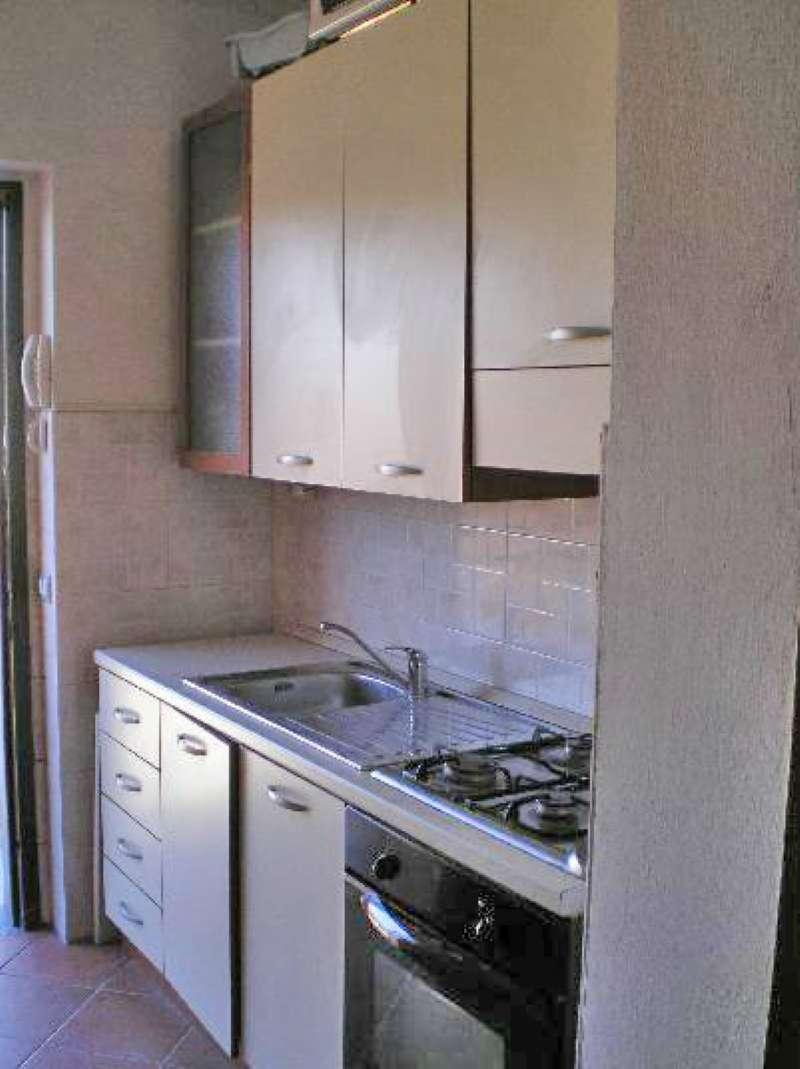 Appartamento in buone condizioni arredato in vendita Rif. 9406180