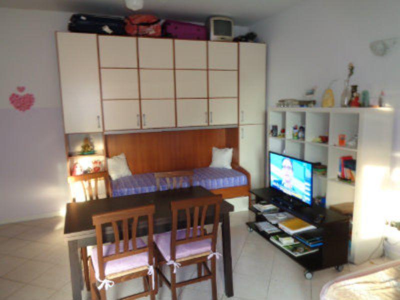 Appartamento ristrutturato arredato in affitto Rif. 7254145