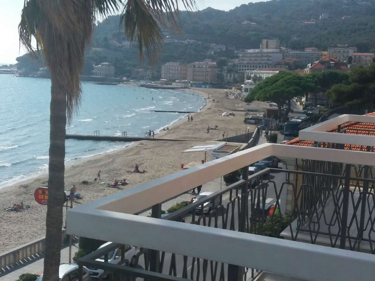 Appartamento in vendita a Diano Marina, 4 locali, prezzo € 450.000 | CambioCasa.it