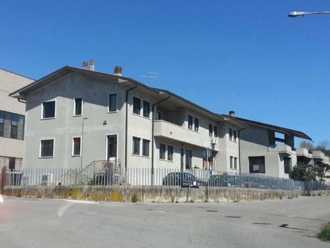 Capannone in affitto a Sona, 9999 locali, prezzo € 2.500 | CambioCasa.it