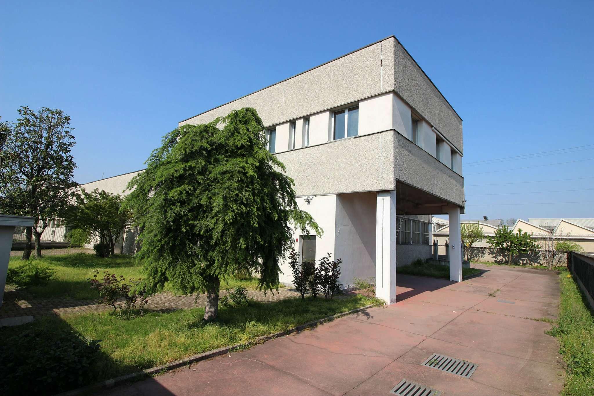 Capannone in vendita a Cornaredo, 6 locali, prezzo € 560.000 | PortaleAgenzieImmobiliari.it