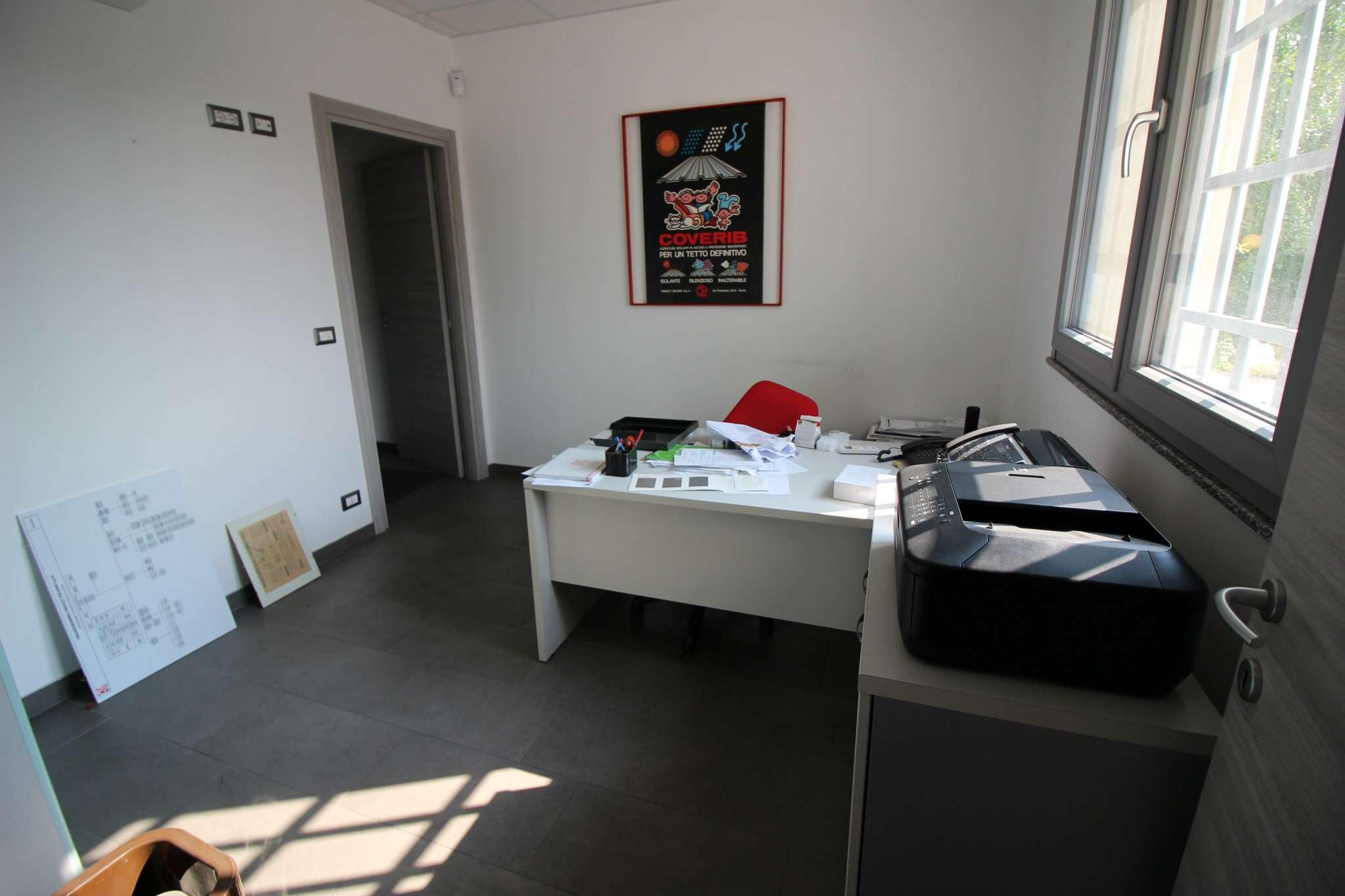 Capannone in affitto a Cornaredo, 5 locali, prezzo € 4.167 | CambioCasa.it