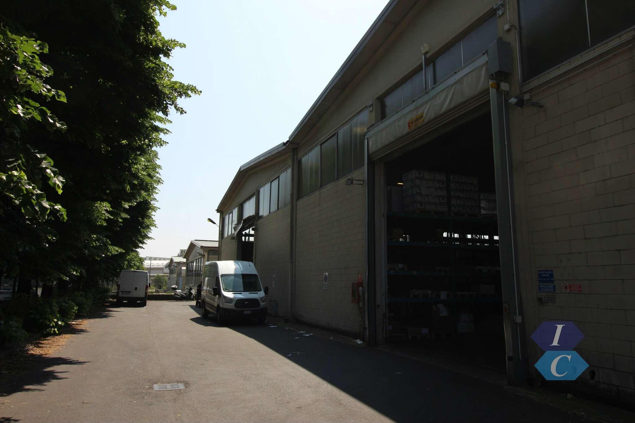 Capannone in affitto a Settimo Milanese, 10 locali, prezzo € 25.000 | PortaleAgenzieImmobiliari.it