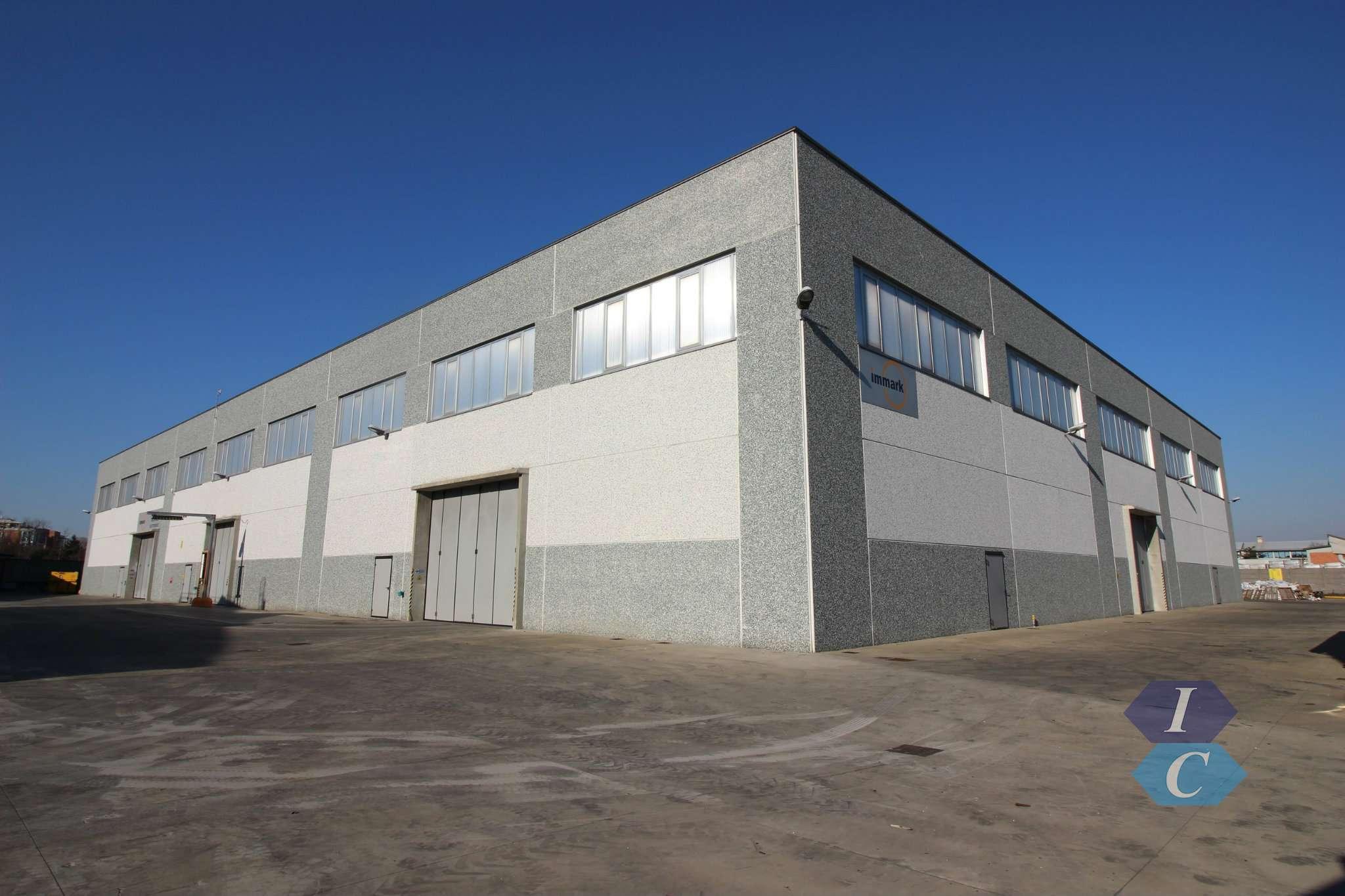 Capannone in vendita a Cornaredo, 10 locali, prezzo € 6.000.000 | PortaleAgenzieImmobiliari.it