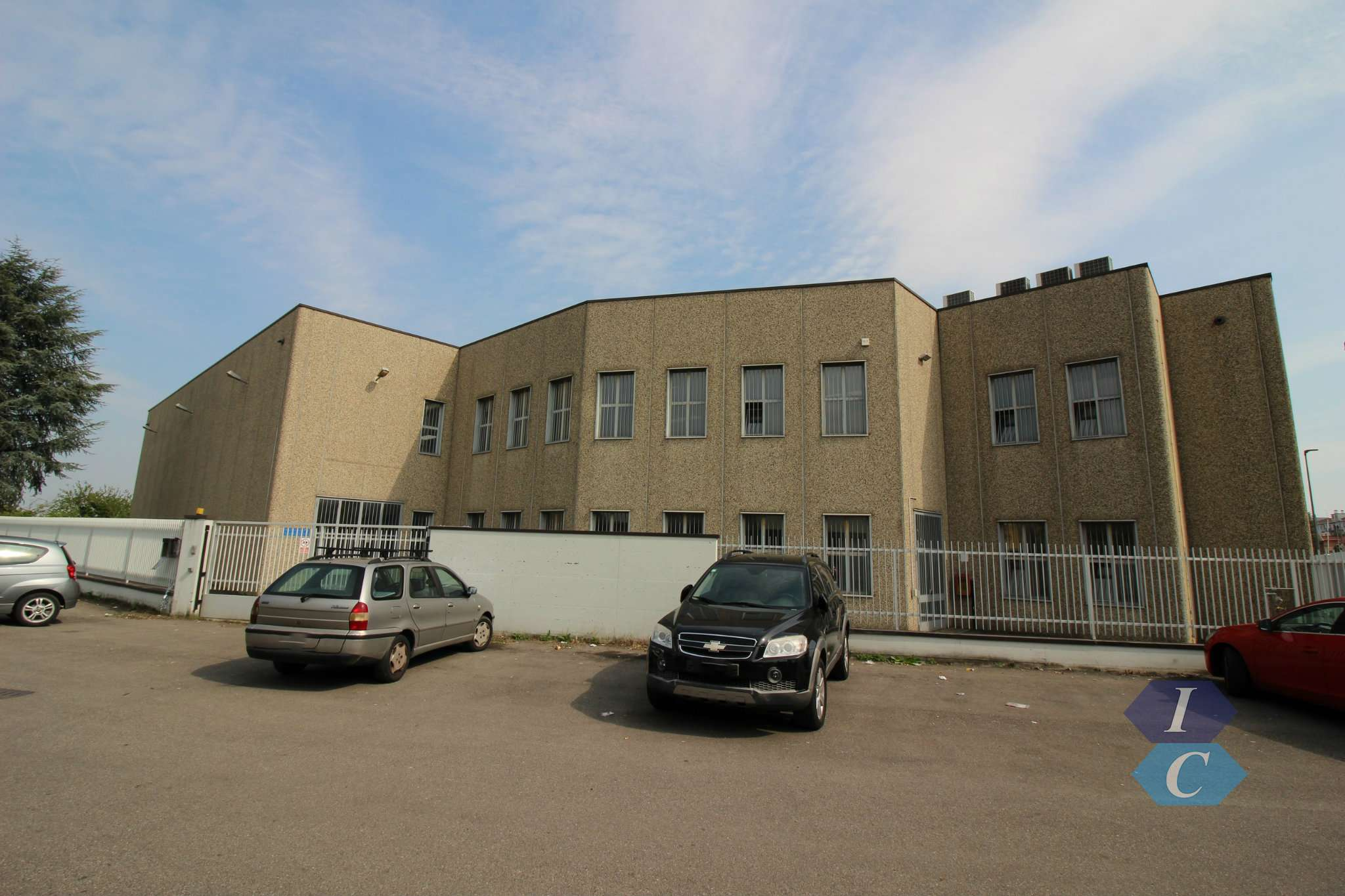 Capannone in affitto a Legnano, 5 locali, prezzo € 3.500 | PortaleAgenzieImmobiliari.it