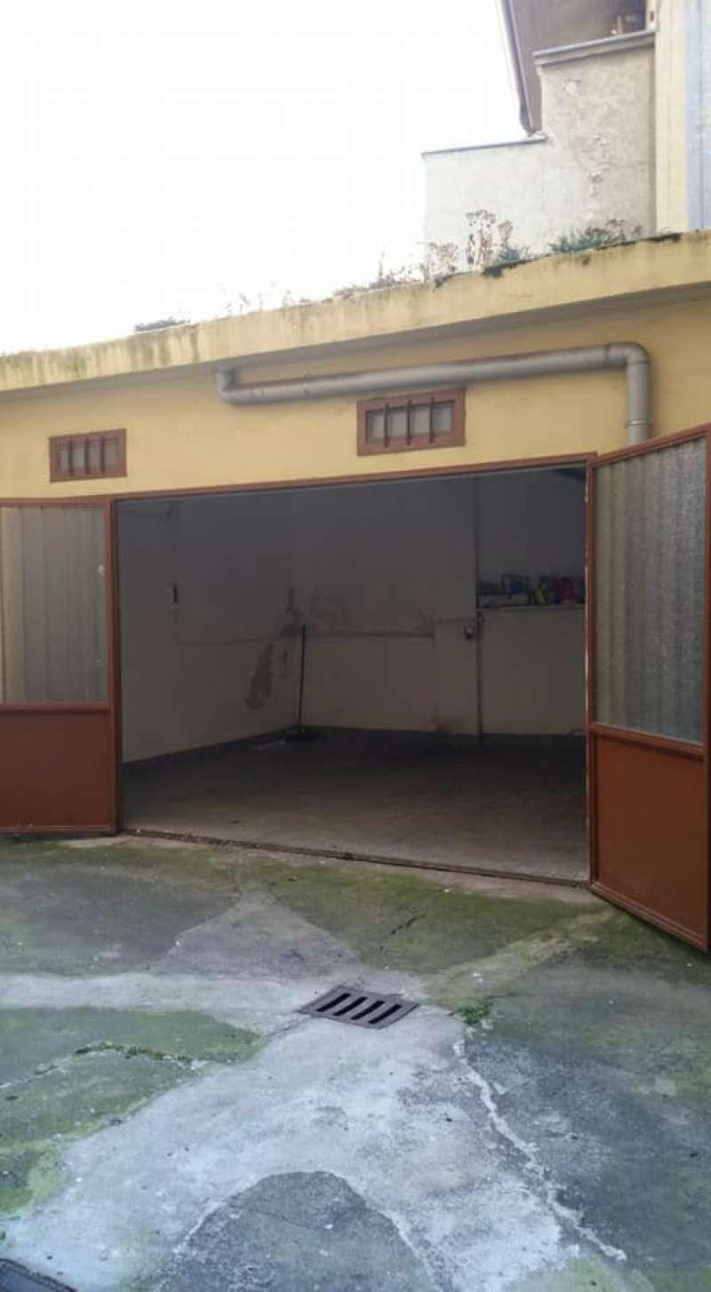 Foto 1 di Box / Garage Via Mombarcaro 50, Torino