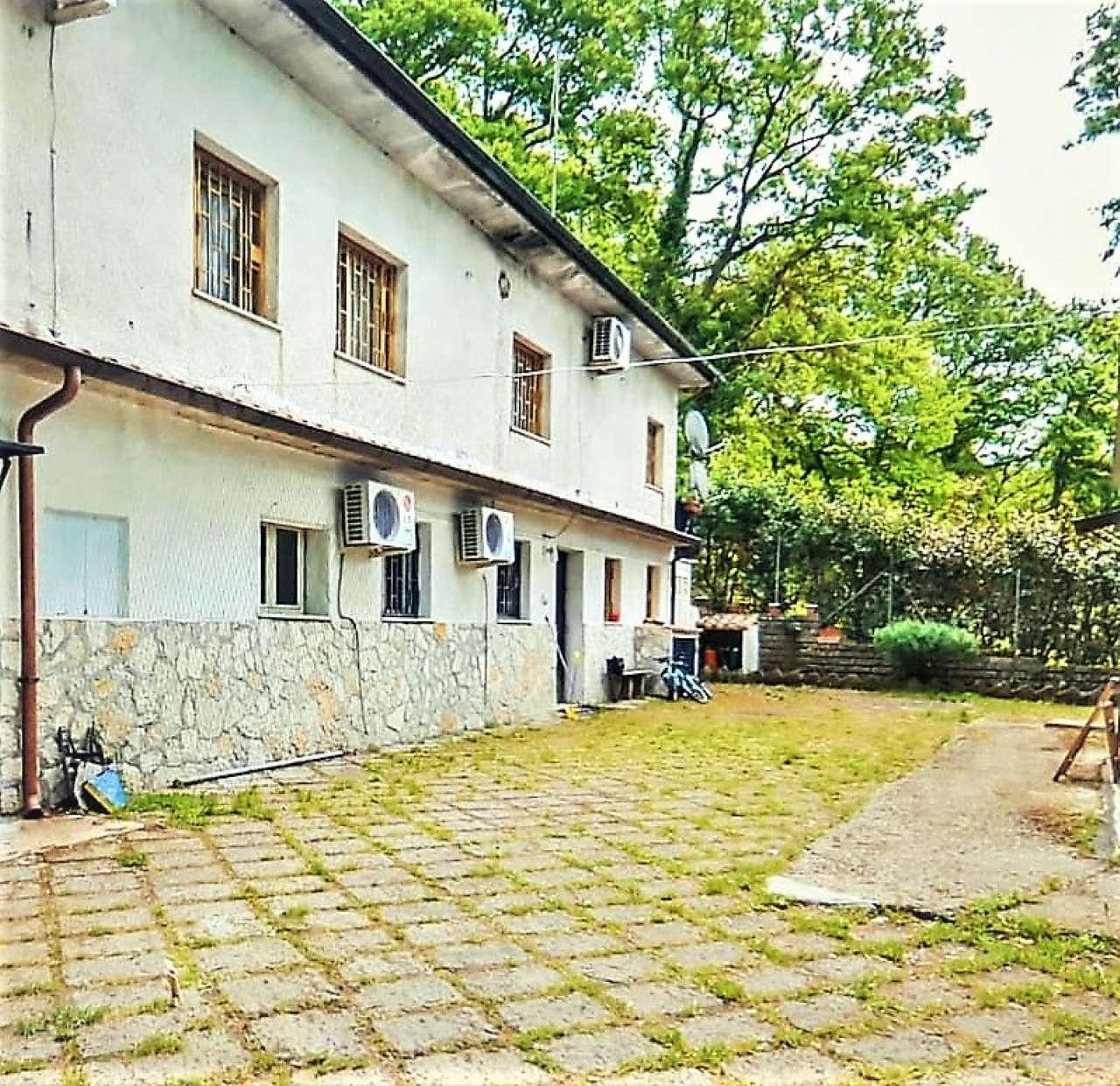Villa in vendita a Trevignano Romano, 7 locali, prezzo € 295.000   CambioCasa.it