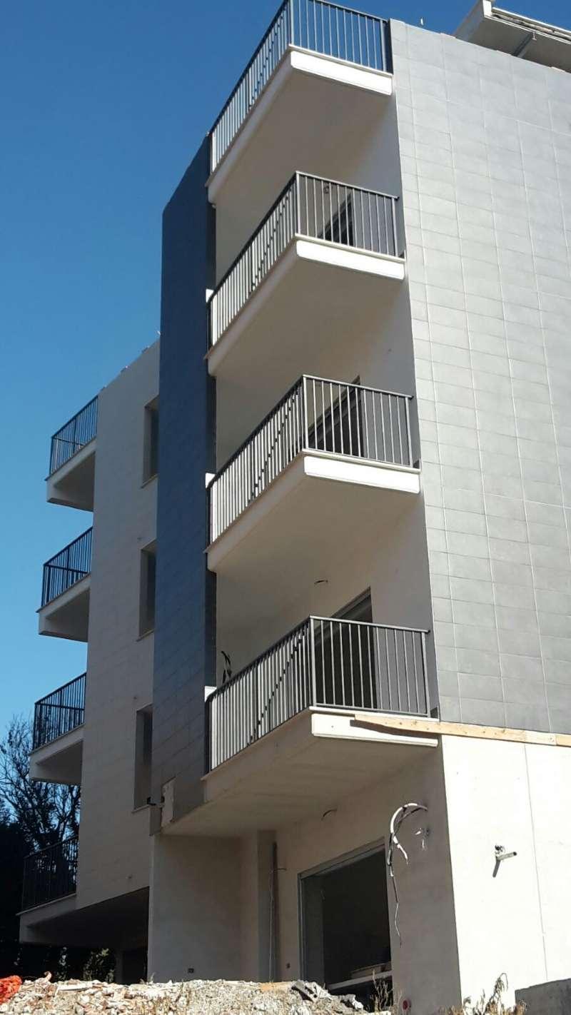 Monolocale roma vendita zona 21 laurentina 40 for Vendesi monolocale roma