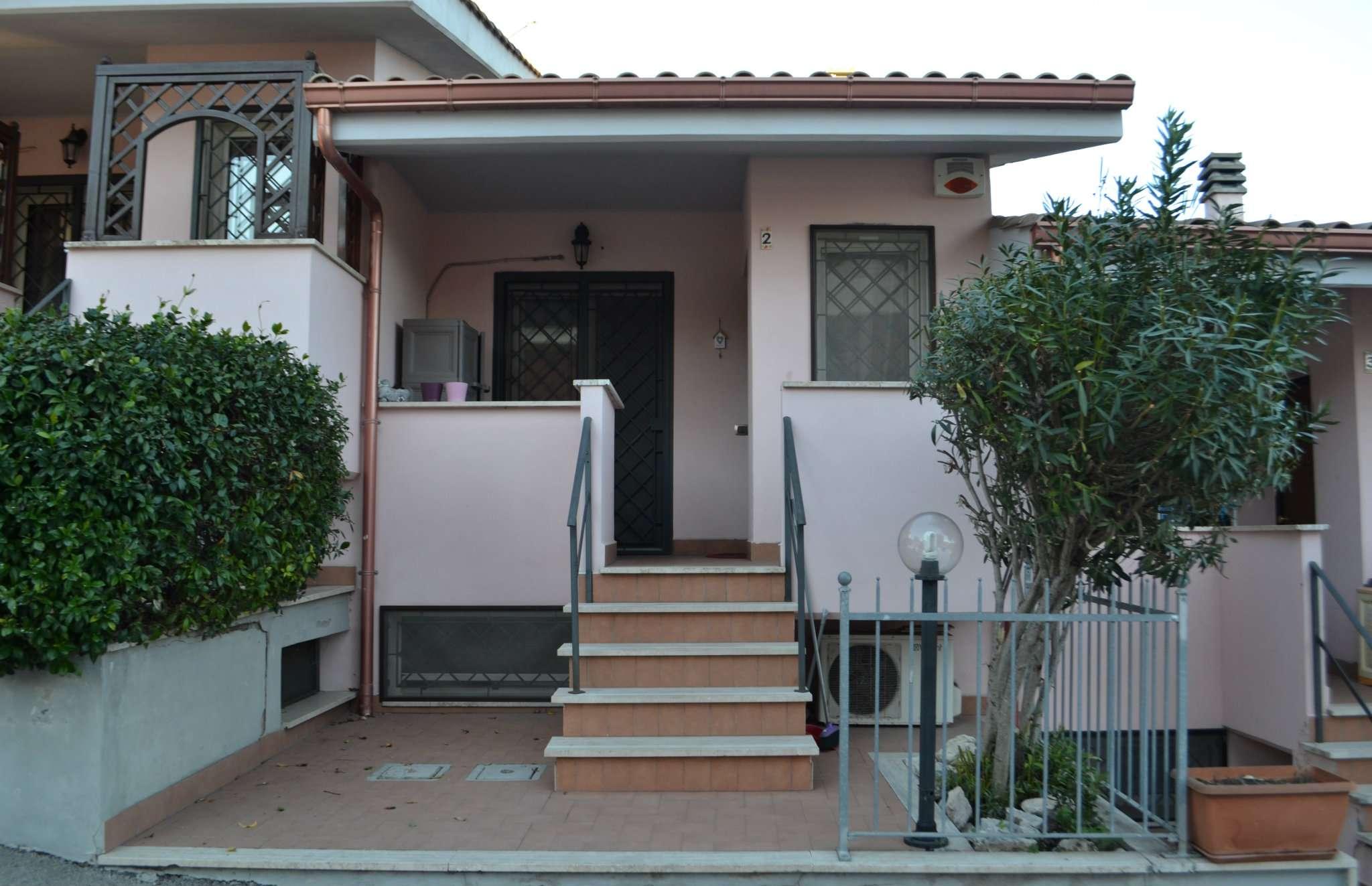 Villa a Schiera in vendita a Roma, 5 locali, zona Zona: 40 . Piana del Sole, Casal Lumbroso, Malagrotta, Ponte Galeria, prezzo € 179.000 | CambioCasa.it