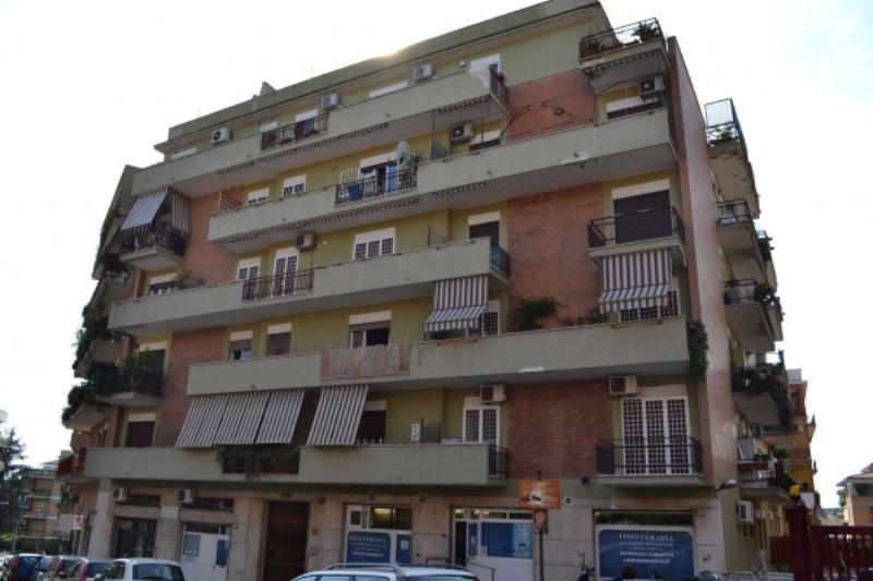 Attico / Mansarda in vendita a Roma, 15 locali, zona Zona: 24 . Gianicolense - Colli Portuensi - Monteverde, prezzo € 699.000   CambioCasa.it