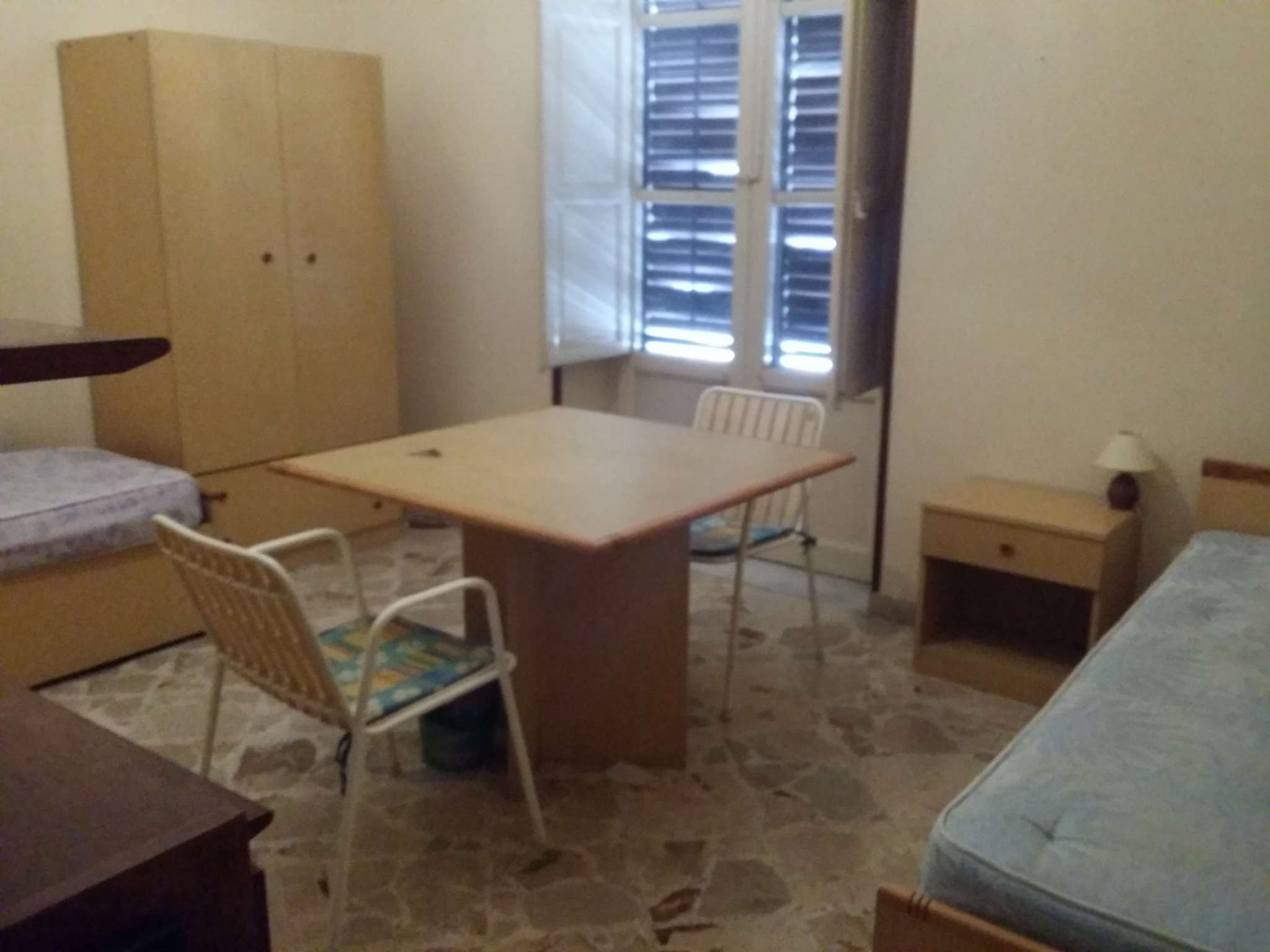 Stanza / posto letto in buone condizioni arredato in affitto Rif. 8426396