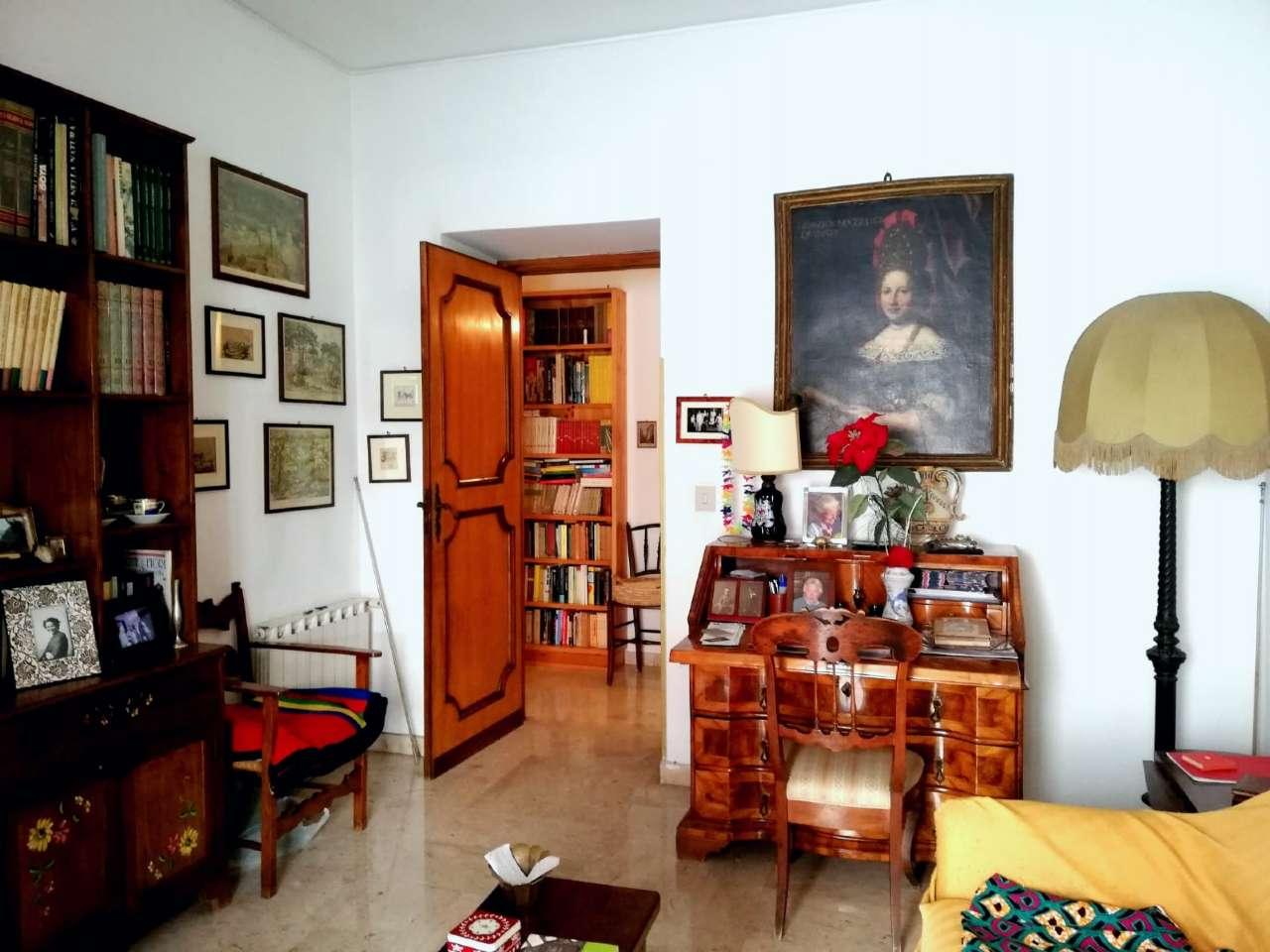 Stanza / posto letto in ottime condizioni arredato in affitto Rif. 8443133