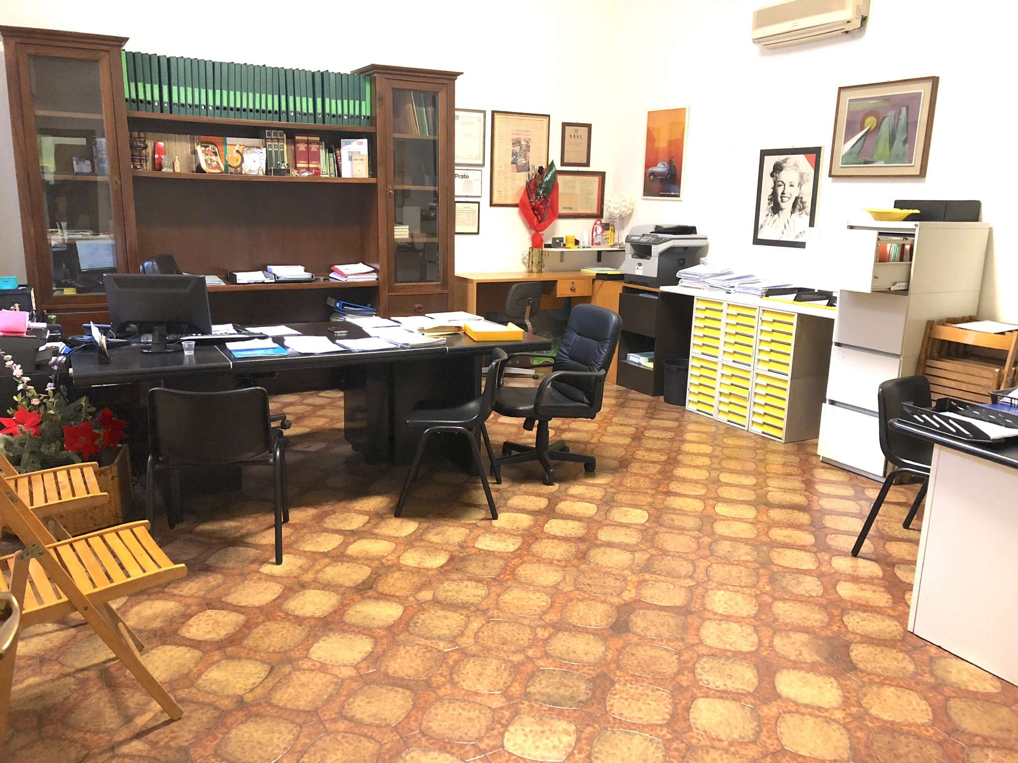 Ufficio in vendita a Prato, centro storico