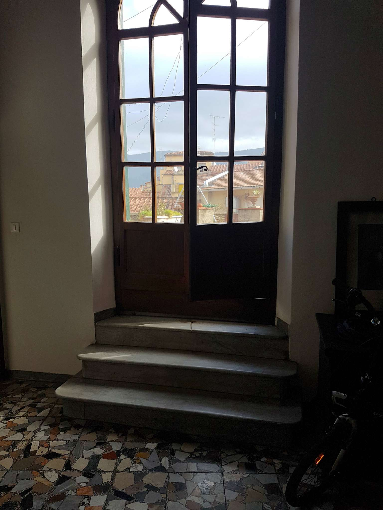 Appartamento in buone condizioni parzialmente arredato in vendita Rif. 6056088