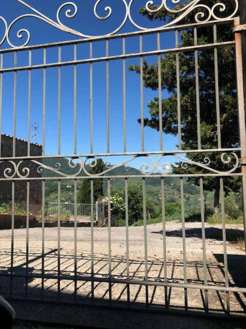 Casa Colonica in vendita a Carmignano