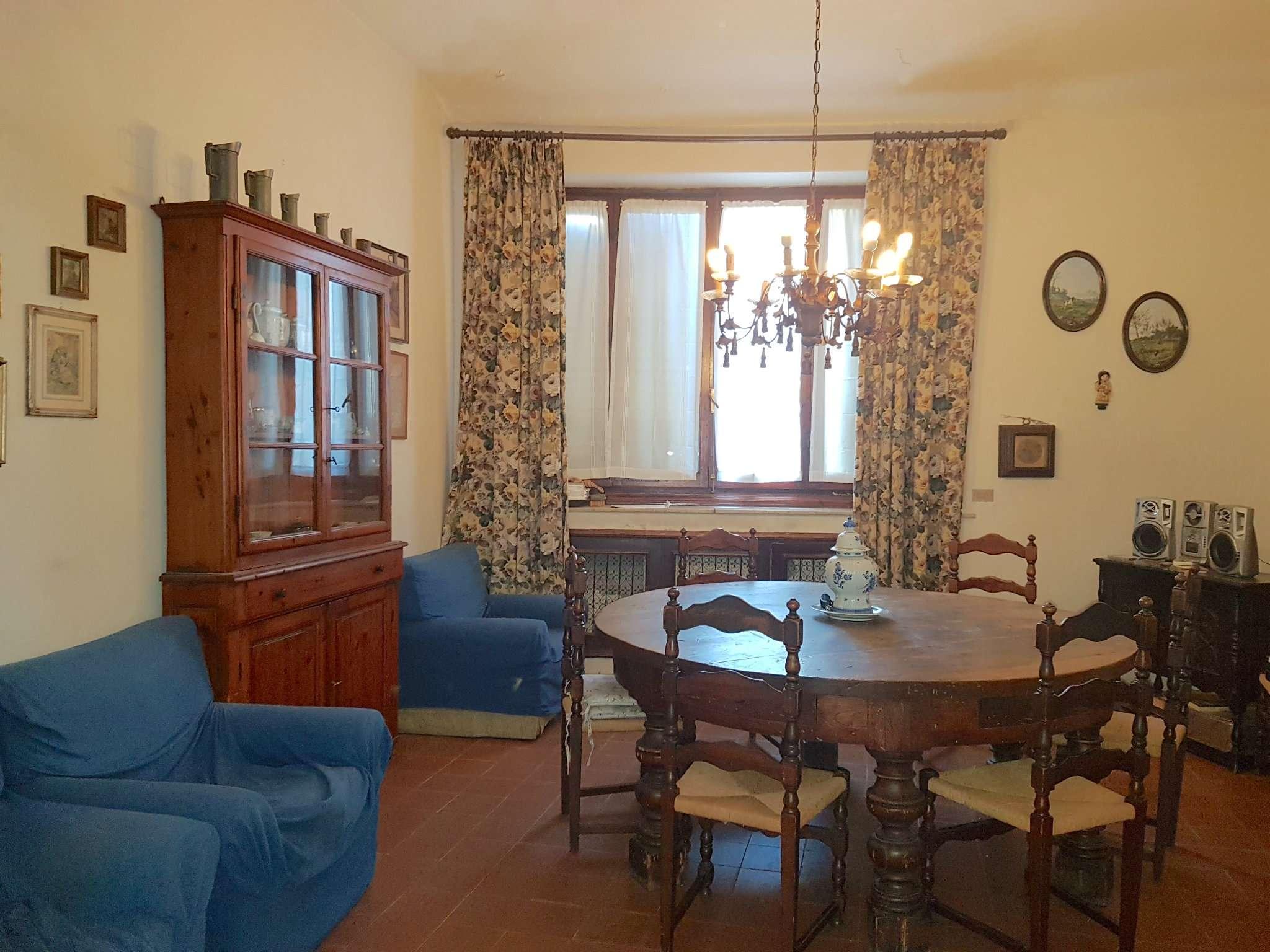 Appartamento da ristrutturare parzialmente arredato in vendita Rif. 6841478