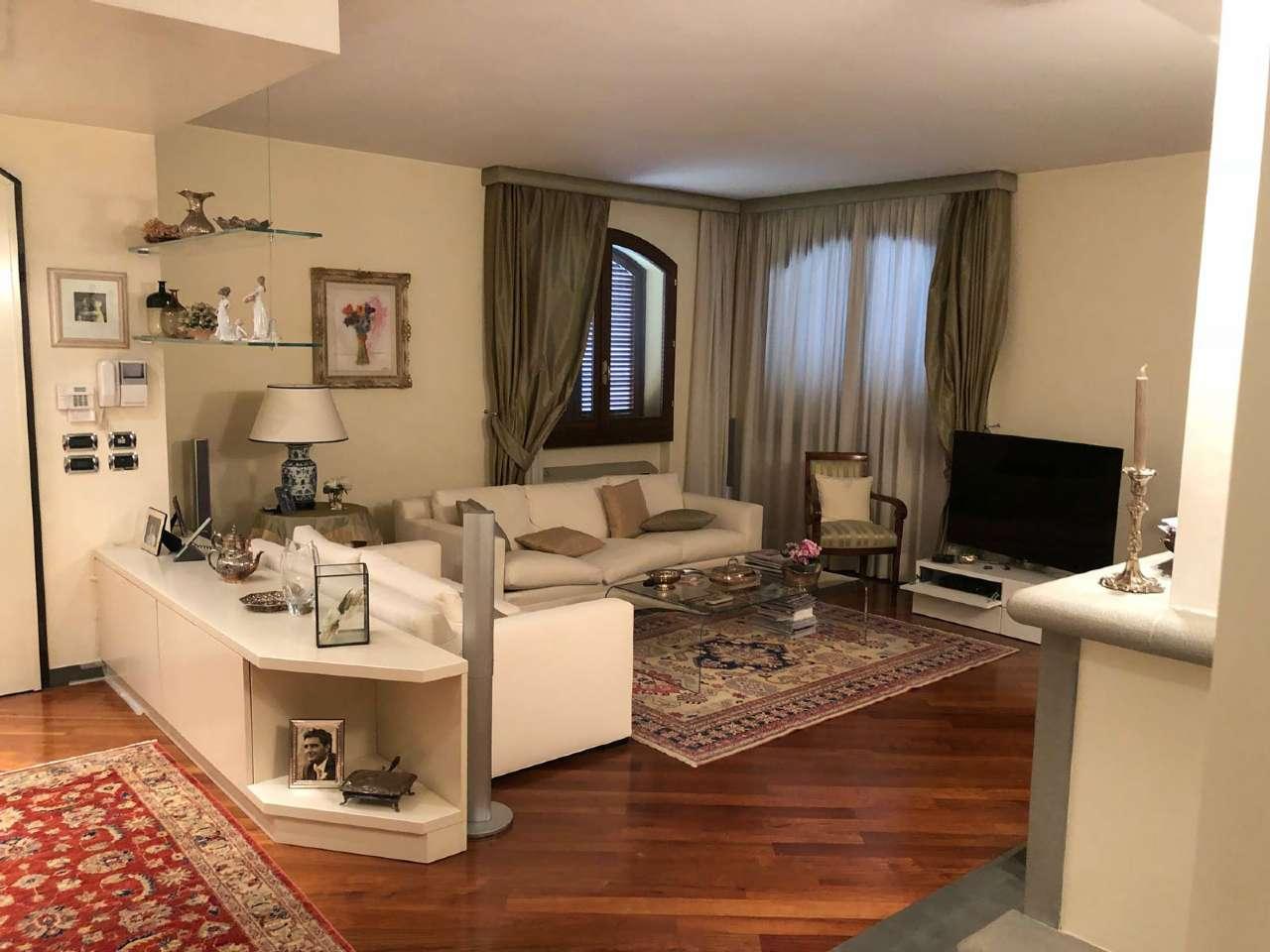 Casa Indipendente ristrutturato arredato in vendita Rif. 7032000