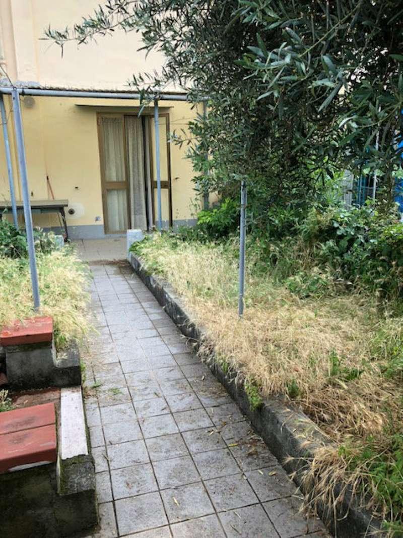 Terratetto in vendita a Prato, Sacrocuore, di 130 mq