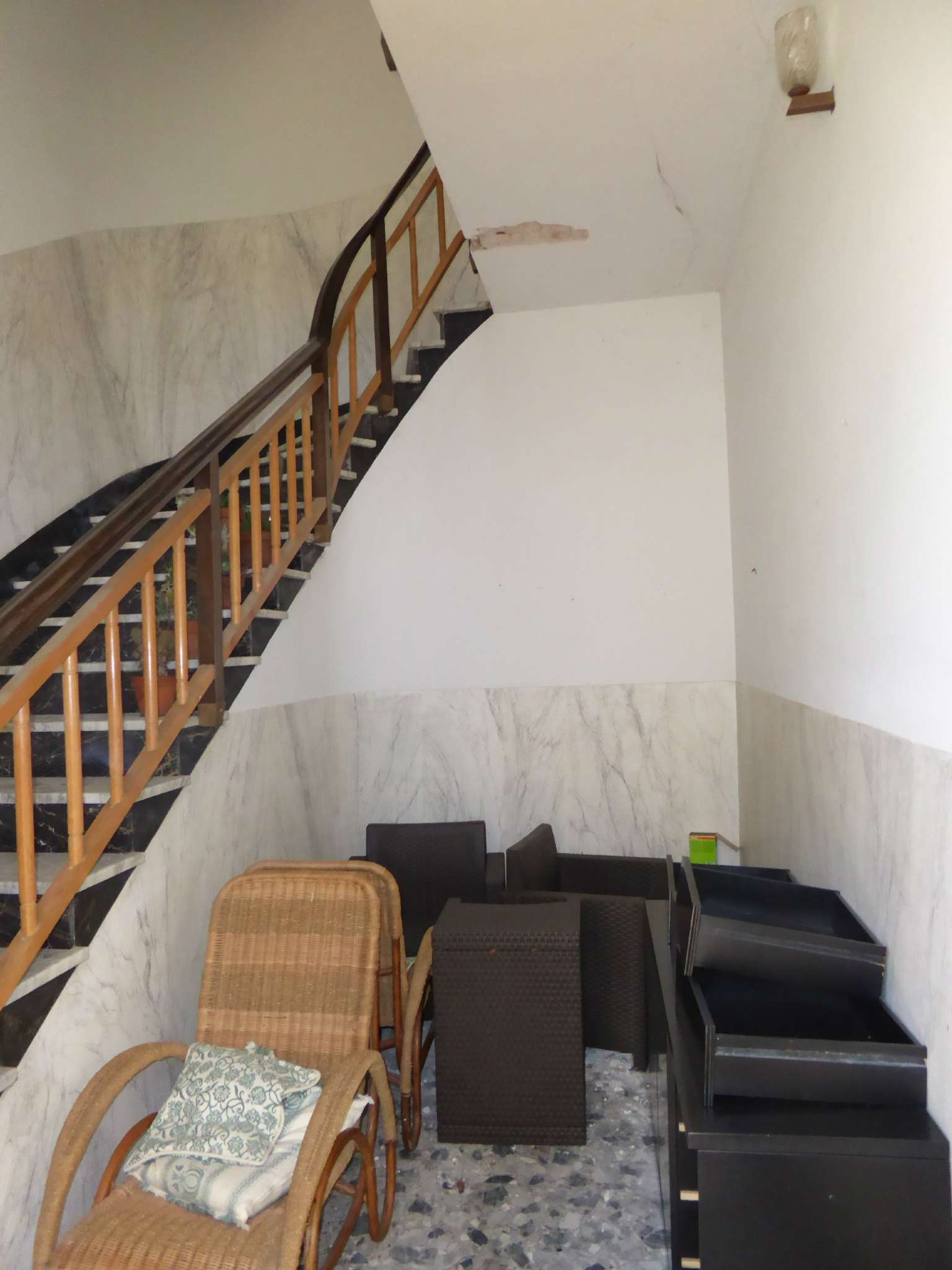 Appartamento da ristrutturare in vendita Rif. 7413056