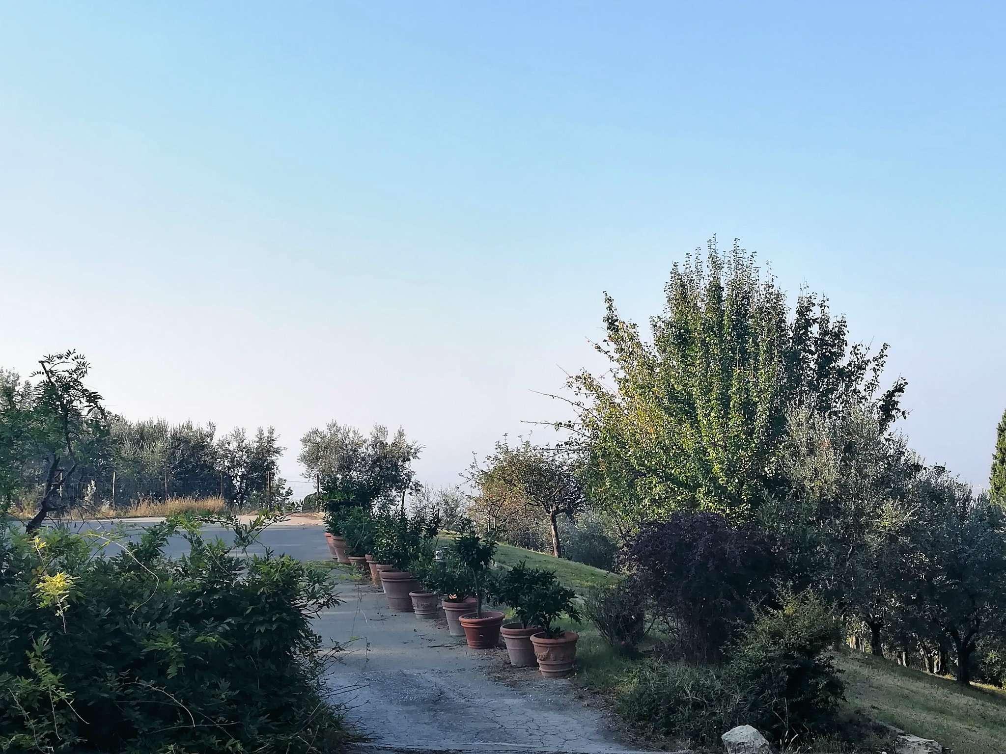 Villa libera su 4 lati in vendita a Prato, Santa Lucia