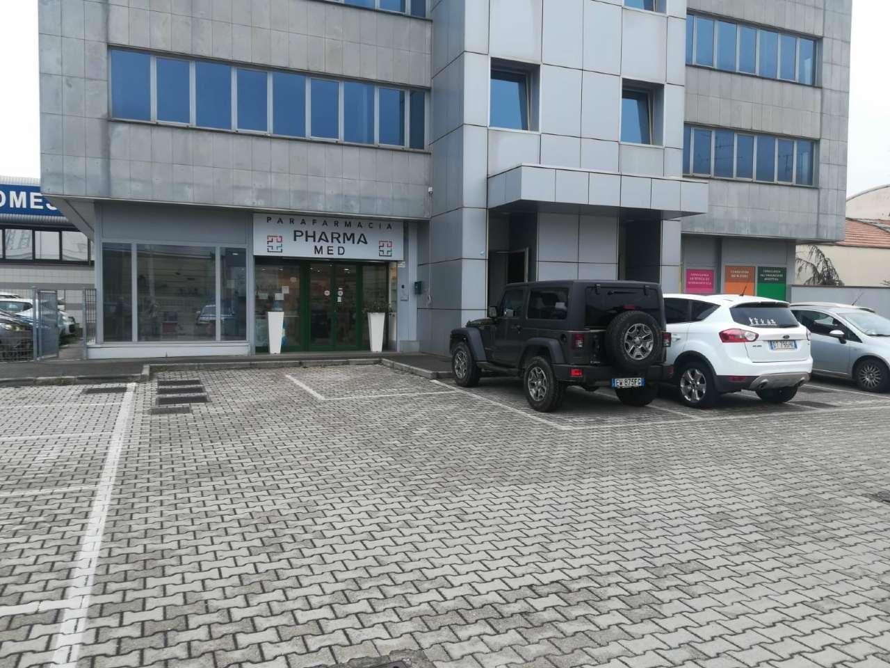 Prato, via Galcianse, fondo commerciale 270 con ottima visibilità Rif. 8426400
