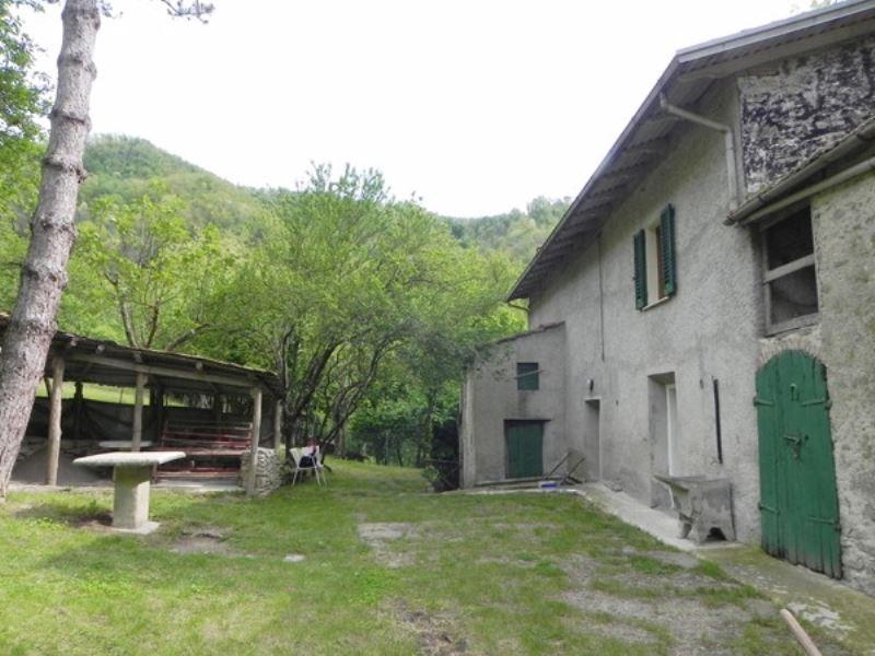 Colonica in vendita a Vernio