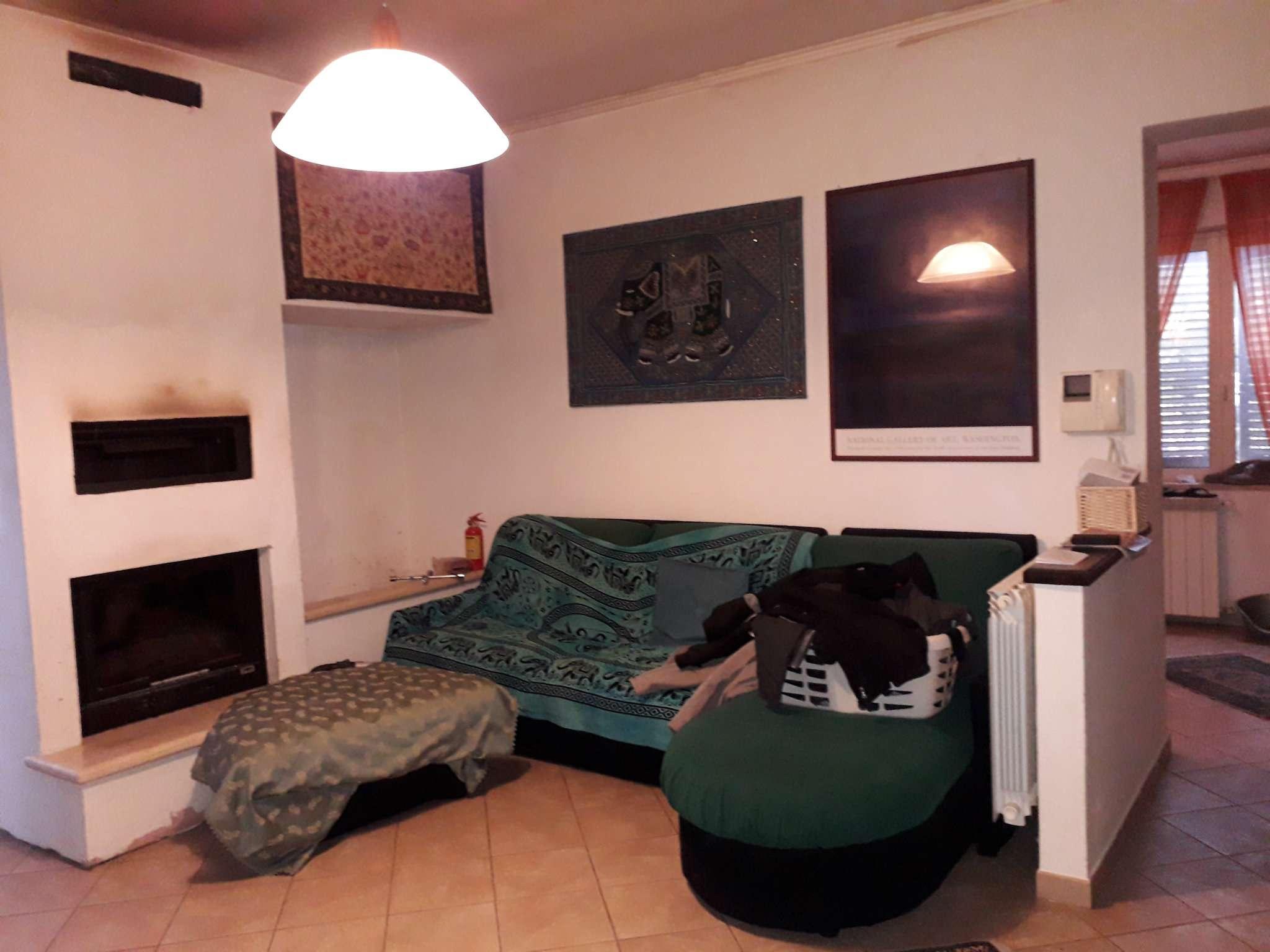 Appartamento in buone condizioni in vendita Rif. 5035197