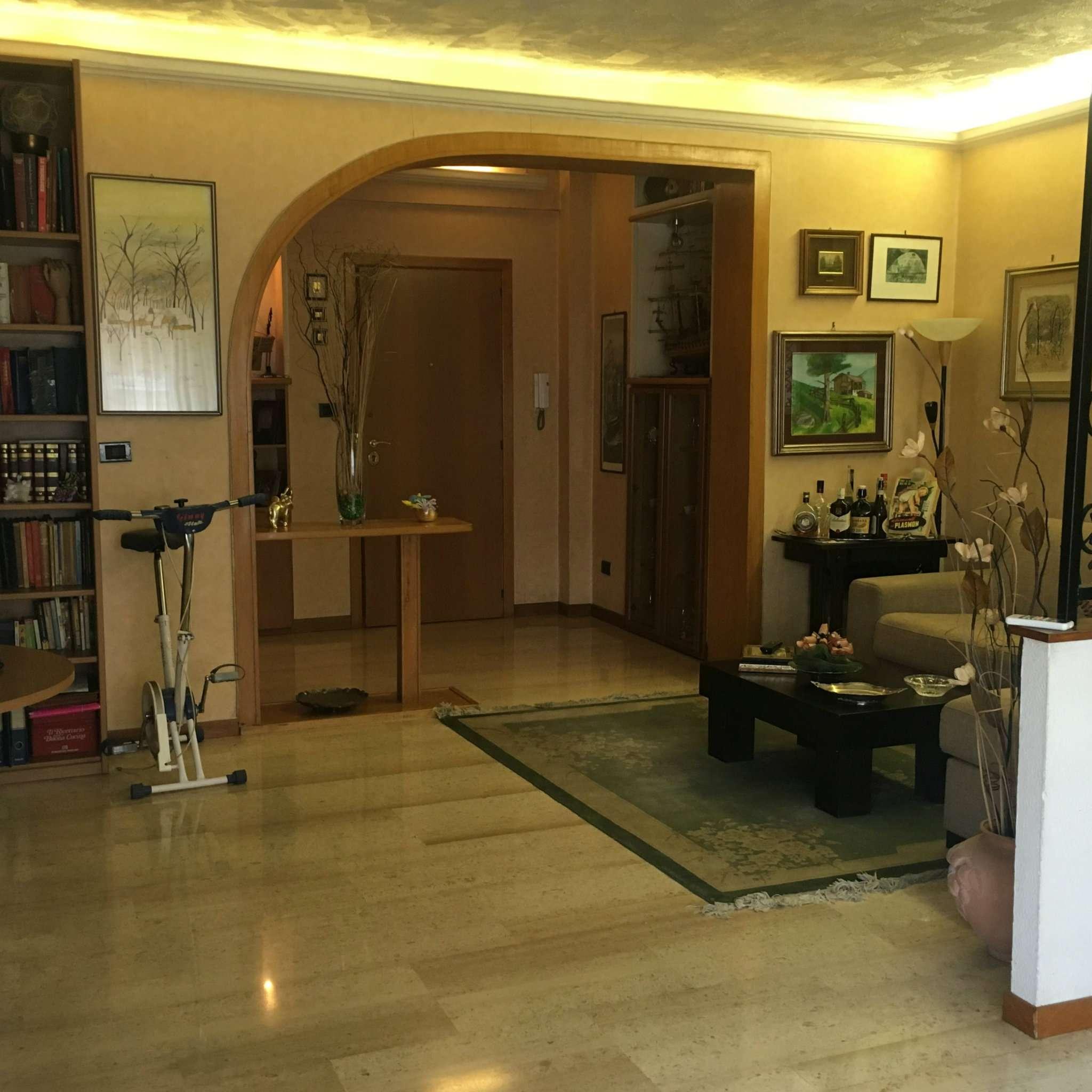 Appartamento in vendita a Roma, 2 locali, zona Zona: 20 . Marconi - Ostiense, prezzo € 269.000 | CambioCasa.it