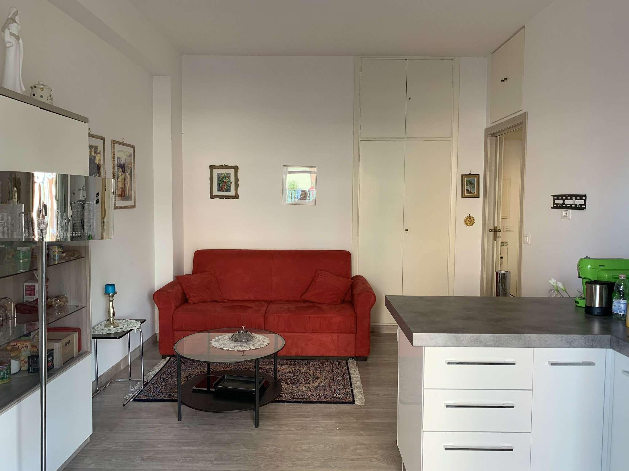 Appartamento in vendita a Roma, 2 locali, zona Zona: 20 . Marconi - Ostiense, prezzo € 179.000 | CambioCasa.it