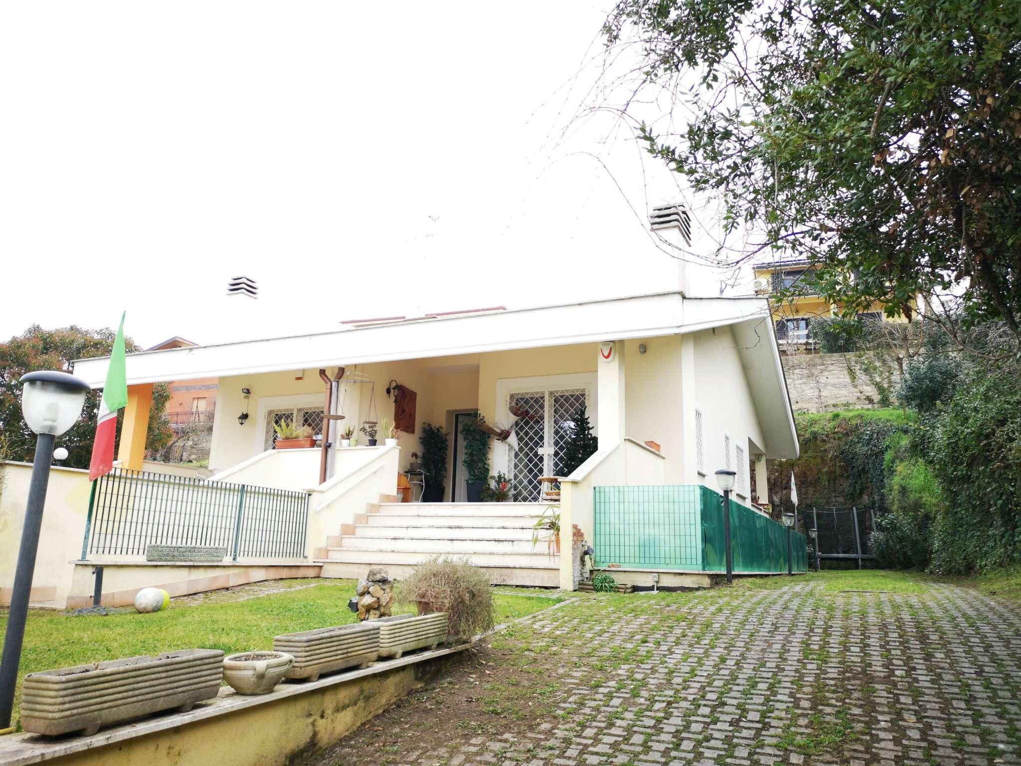 Villa Bifamiliare in vendita a Roma, 5 locali, zona Zona: 21 . Laurentina, prezzo € 470.000 | CambioCasa.it