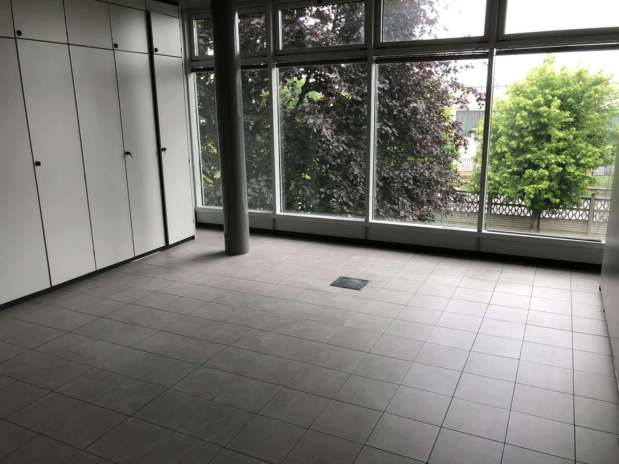 Ufficio / Studio in affitto a Nichelino, 1 locali, prezzo € 3.000 | PortaleAgenzieImmobiliari.it