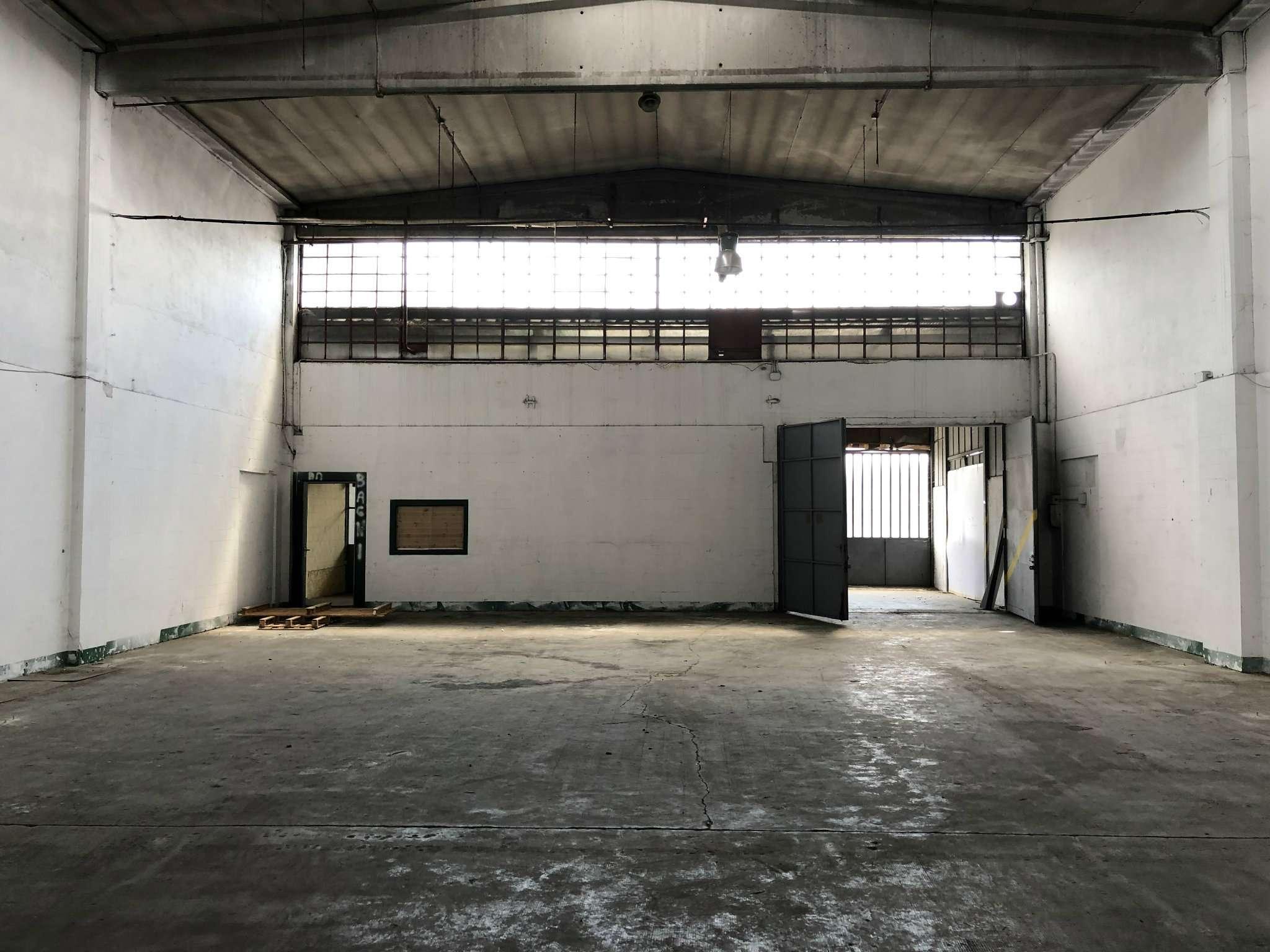 Capannone in affitto a Trofarello, 1 locali, prezzo € 1.000 | CambioCasa.it