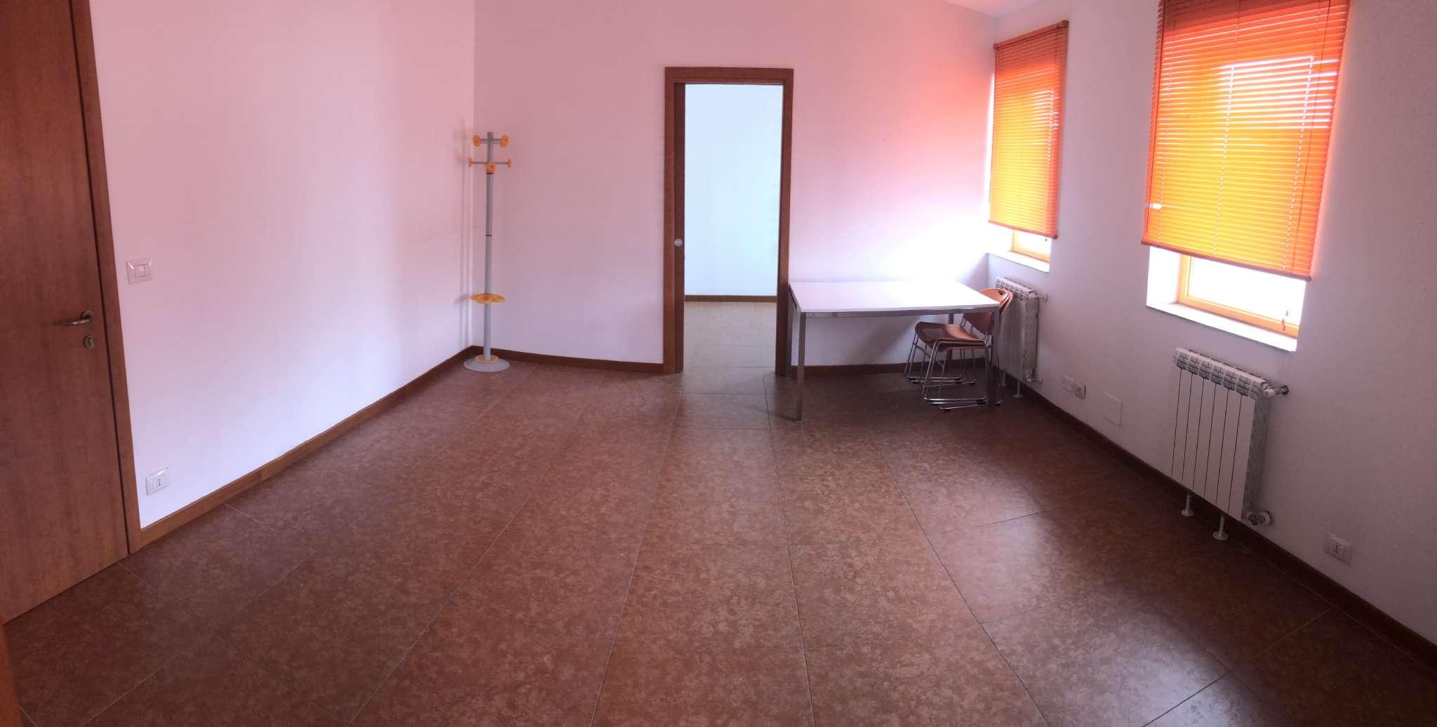 Ufficio / Studio in affitto a Moncalieri, 2 locali, prezzo € 250   PortaleAgenzieImmobiliari.it