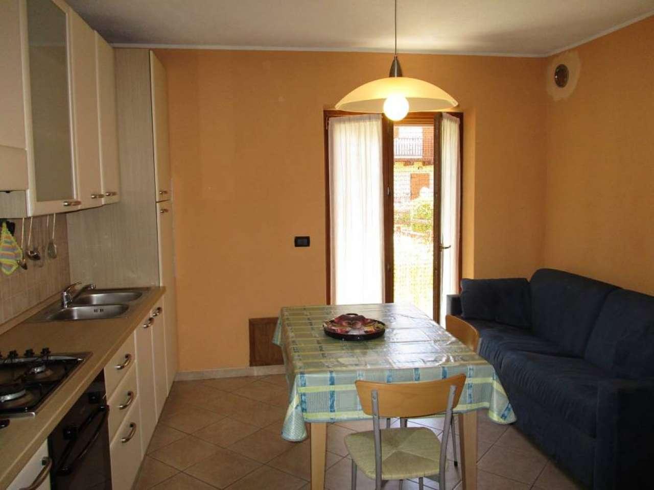 Appartamento in ottime condizioni arredato in affitto Rif. 4571574