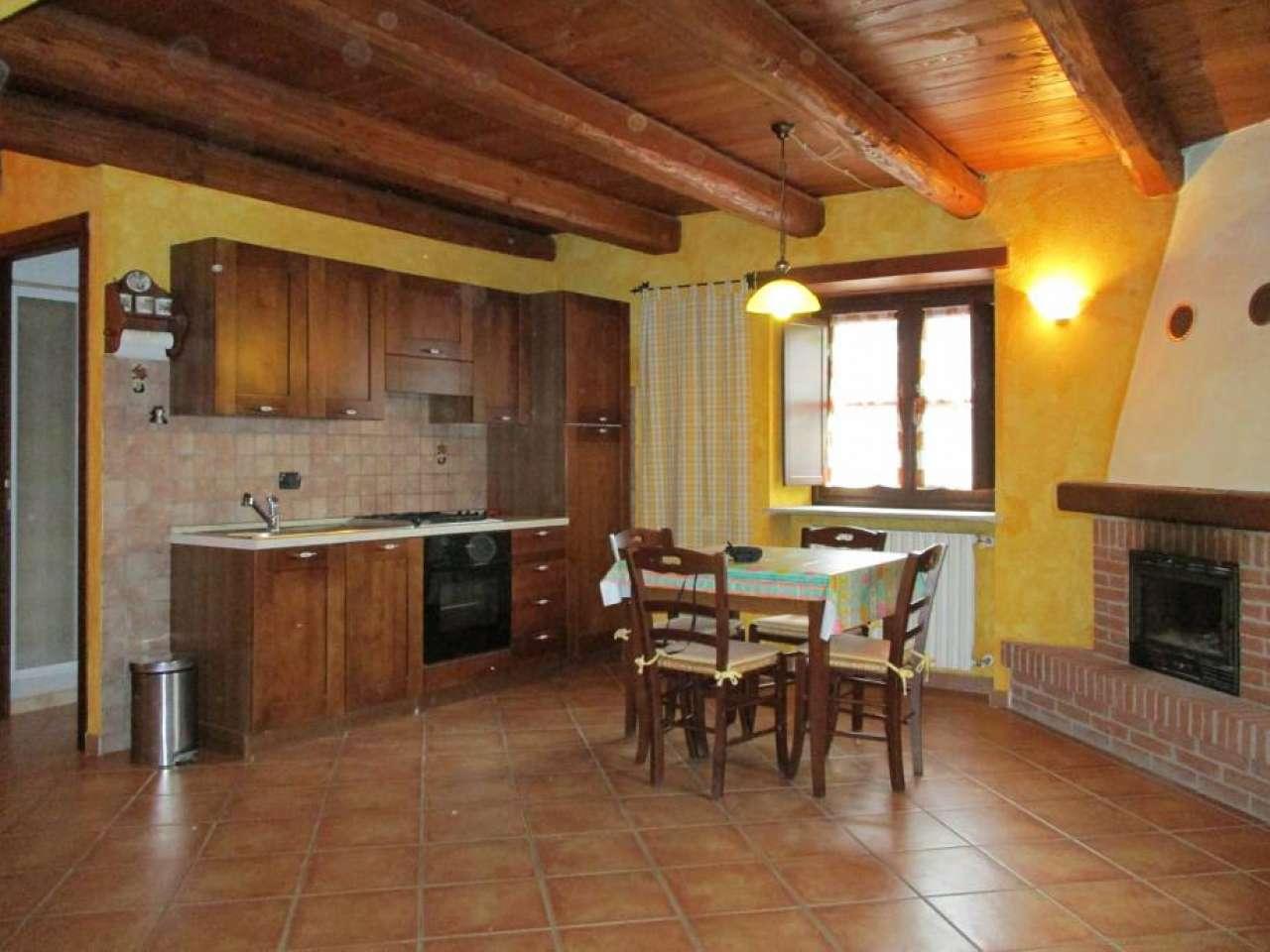 Appartamento ristrutturato arredato in affitto Rif. 4571576