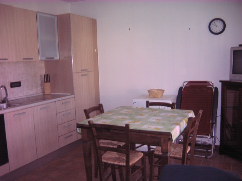 Appartamento in buone condizioni arredato in affitto Rif. 4571544