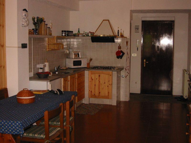 Appartamento in buone condizioni arredato in affitto Rif. 4571550