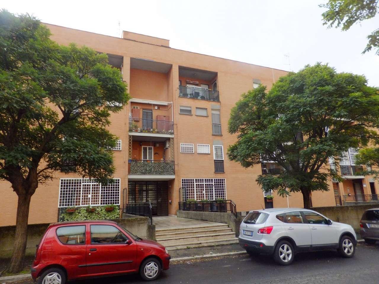 Appartamento in vendita a Roma, 3 locali, zona Zona: 38 . Acilia, Vitinia, Infernetto, Axa, Casal Palocco, Madonnetta, prezzo € 150.000 | CambioCasa.it