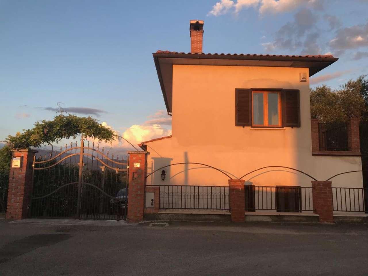Soluzione Indipendente in vendita a Magliano Sabina, 5 locali, prezzo € 120.000 | CambioCasa.it