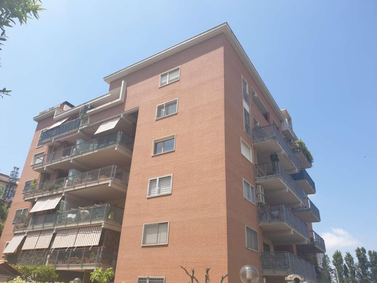 Appartamento in vendita a Roma, 2 locali, zona Zona: 21 . Laurentina, prezzo € 219.000 | CambioCasa.it