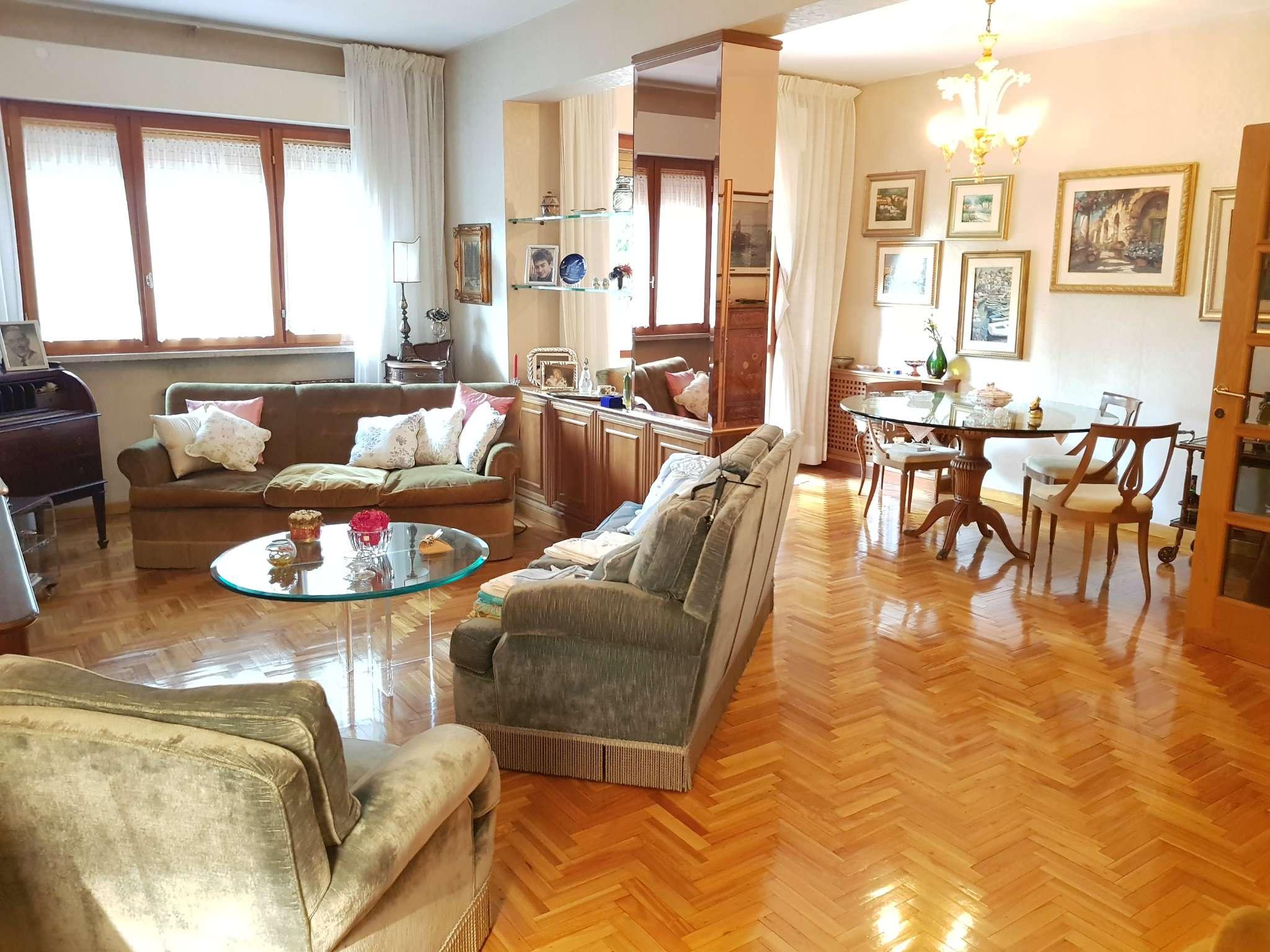 Appartamento in vendita a Roma, 5 locali, zona Zona: 22 . Eur - Torrino - Spinaceto, prezzo € 470.000   CambioCasa.it